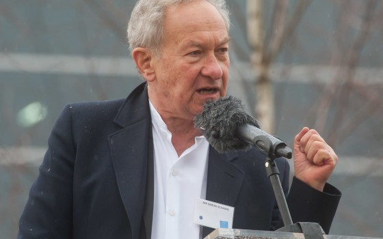 Simon Schama, Brits historicus