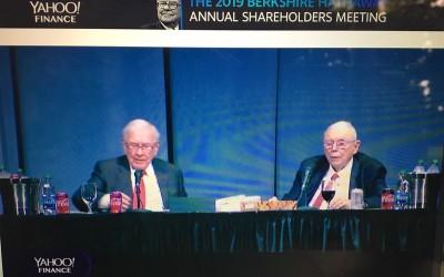 Warren Buffett en Charly Munger bij AVA Berkshire