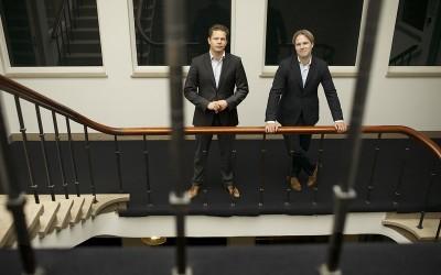 Niels Klok (rechts) CFA deGIRO en en Gijs Nagel (links) Foto: Peter Strelitski