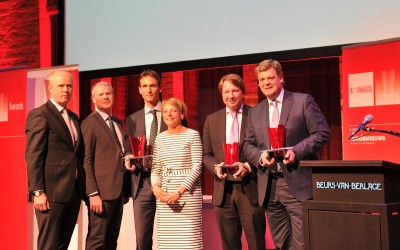 Het Fidelity-team met de ontvangen prijzen