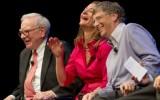 Warren Buffett (links) met het echtpaar Gates