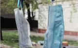 Mondkapjes aan de waslijn