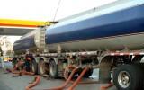 Benzine aan de pomp